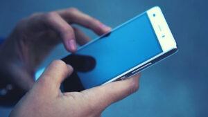 Как пробить человека по номеру телефона легально?