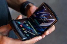 Складные смартфоны - это игрушки только на лето?
