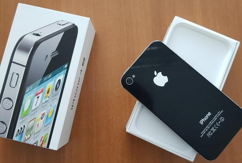 Какие устройства удивили за 2010-2019 год? / Оригинал iPhone 4S 15 - lenium.ru